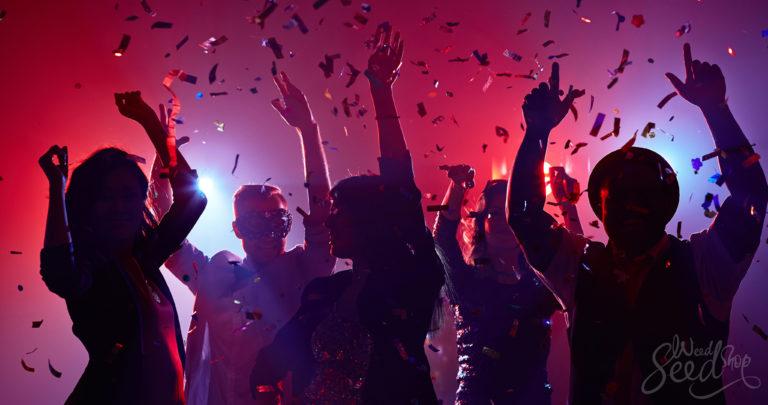 Las 10 mejores cepas para fiestas y socializar