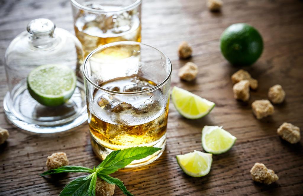 Was ist Cannabis durchtränkter Alkohol und wie stellt man ihn her? - Weed Seed Shop Blog