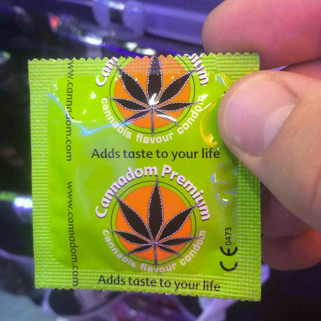 Ein flotter Dreier mit Mary Jane – Unsere Top 5 der Cannabis-Sex-Produkte - WeedSeedShop Blog