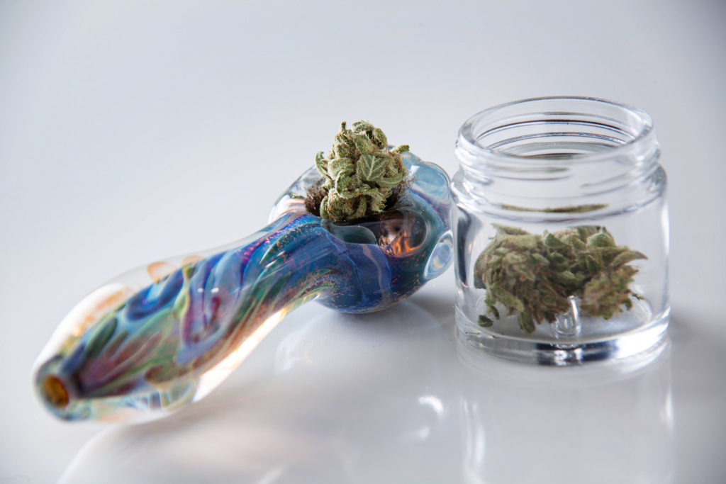 Plusieurs façons de fumer : affectent-elles la défonce ? - WeedSeedShop