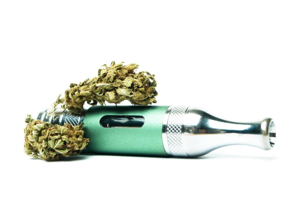 Comer, fumar, vaporizar y beber - ¿cuáles son las diferentes formas de consumir cannabis?
